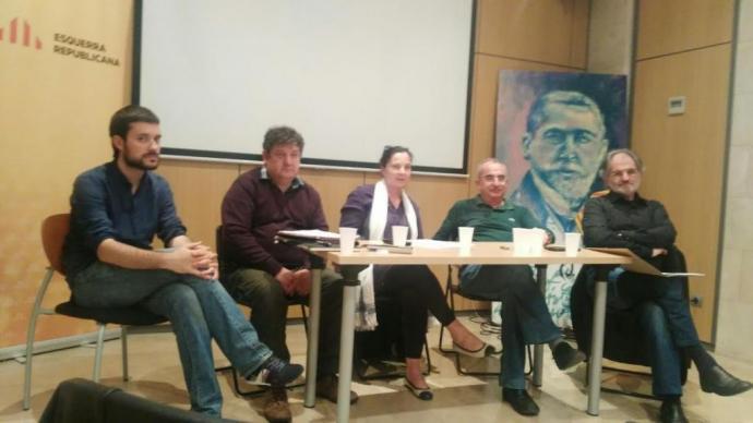 Picornell, Soler, Mateu i Martí, durant la taula rodona.