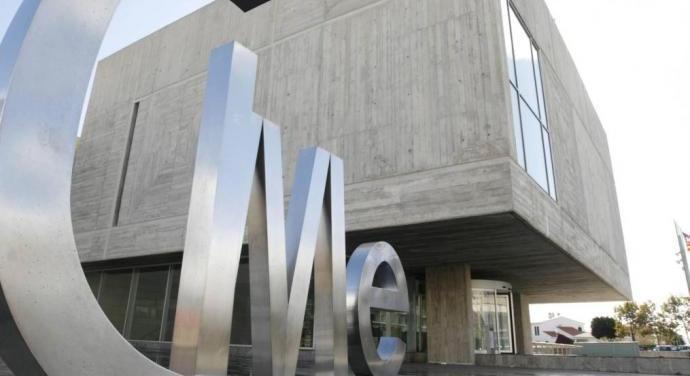 El consell de menorca estrena l 39 oficina insular d for Oficina de habitatge
